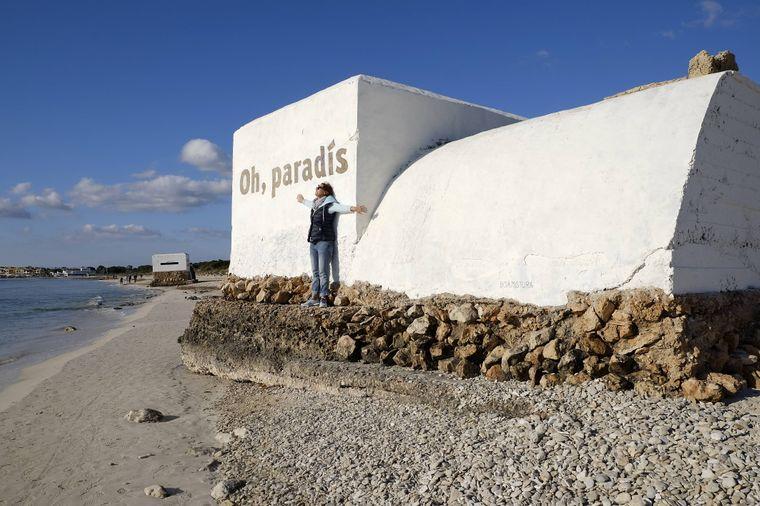 An den Spanischen Bürgerkrieg erinnert heute nicht mehr viel: Übrig gebliebene Bunker wurden mit friedlichen Botschaften bemalt.