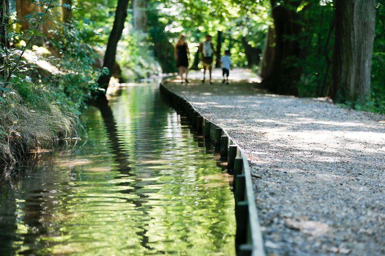 Der Krummbachweg in Ochsenhausen ist ein wasserhistorischer Weg von der Krummbachquelle zu einem Brauhaus.