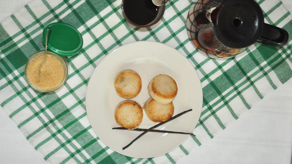 Mofo gasy ist ein traditionelles Rezept aus Madagaskar. Und so sieht das kleine Brot aus, wenn es fertig ist: Guten Appetit!