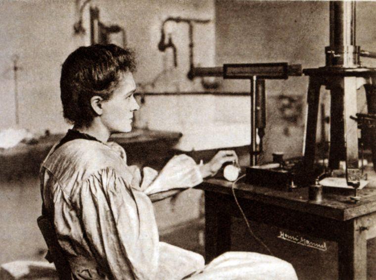 Die Nobelpreisträgerin Marie Curie lebte von 1867 bis 1934.