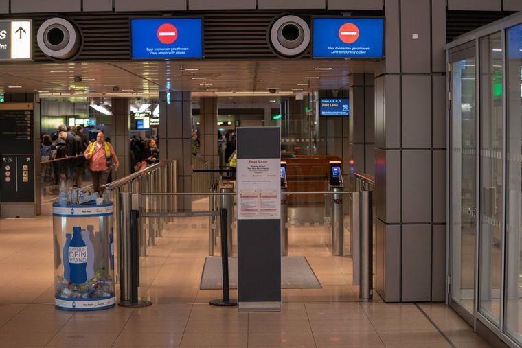 Bei den Sicherheitskontrollen ist daher kein Durchkommen mehr für die Passagiere.