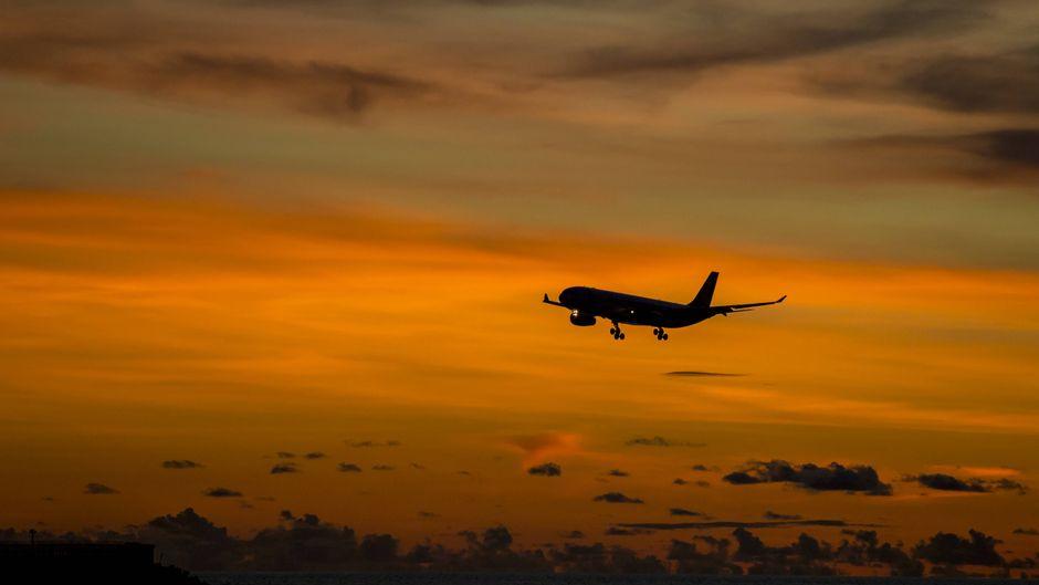 Flugzeuge sind nicht als Virenschleudern bekannt, trotzdem gelten Vorsichtsmaßnahmen.