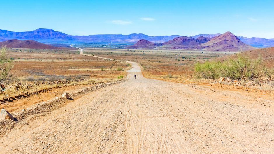 Wüstenstraße in Namibia.