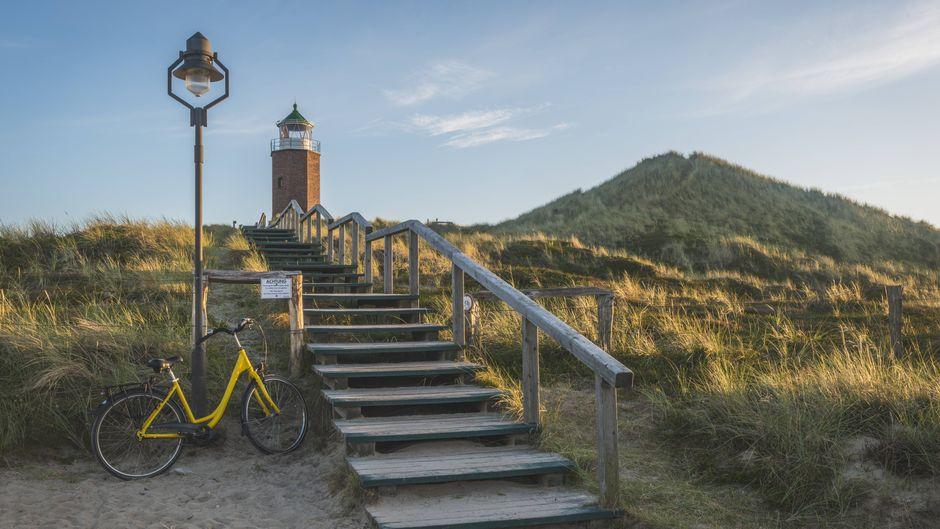 Leuchturm mit Fahhrad in Kampen auf Sylt