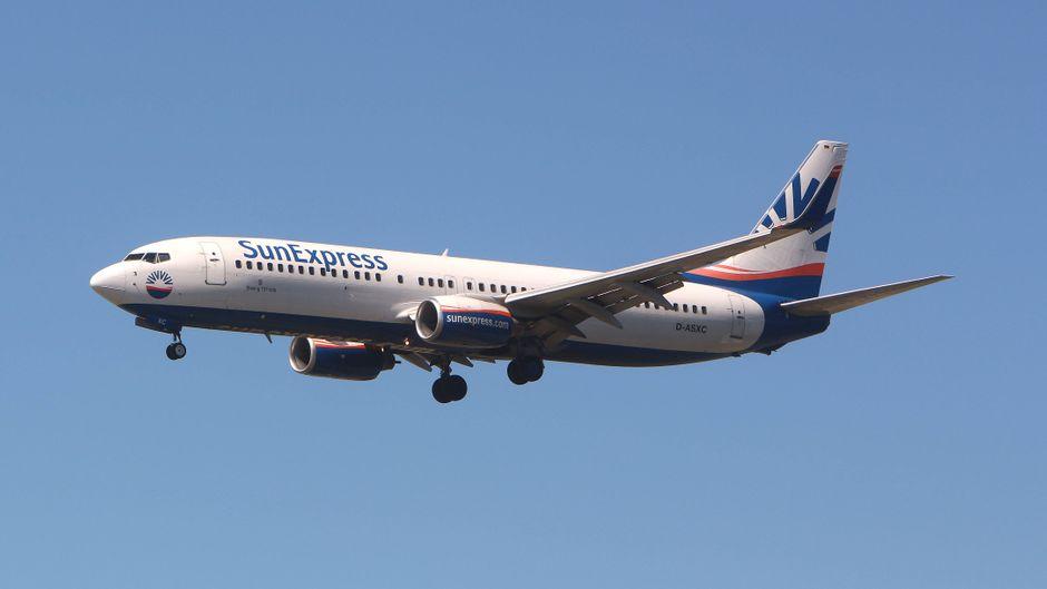 Die Boeing 737 von Sun Express war im Landeanflug, als eine Cessna ihre Flugbahn kreuzte. (Symbolbild)