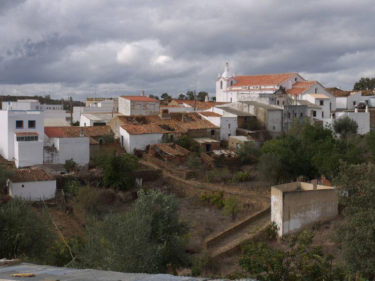 Cachopo ich ein kleines traditionelles Dorf im Hinterland der Algarve aus dem 16. Jahrhundert.