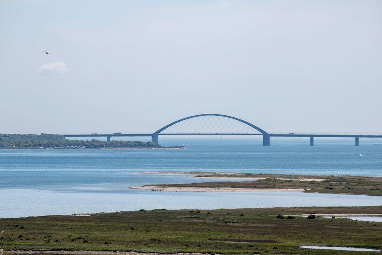 Blick Richtung Fehmarnsundbrücke.