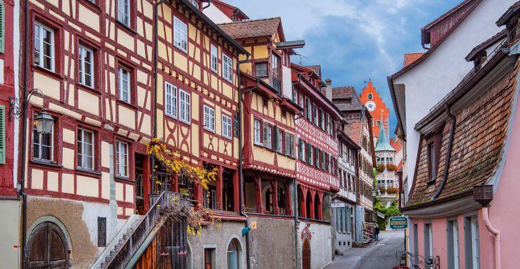 Altstadtgasse mit Fachwerkhäusern, Meersburg, Bodensee, Oberschwäbische Barockstraße