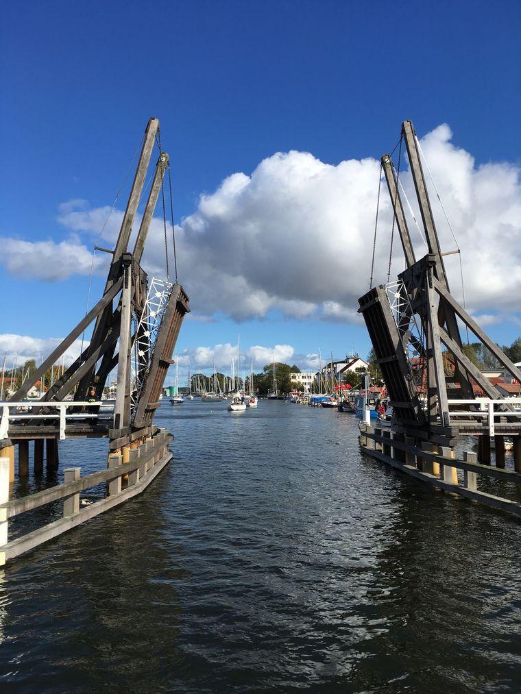 Einen Besuch wert: Die Brücke in Wieck.