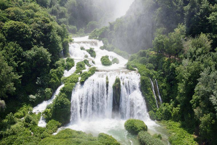 Der Cascata della Marmore ist der höchste künstlich angelegte Wasserfall der Welt.