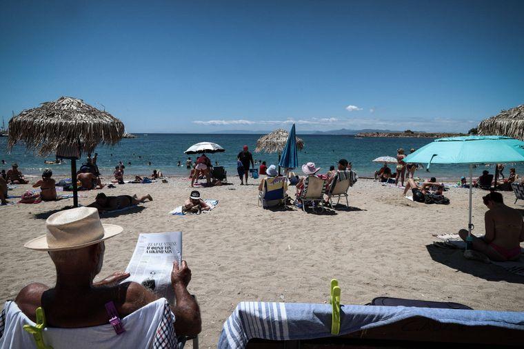Strand von Glyfada bei Athen: Trotz Corona-Krise ist hier einiges los.