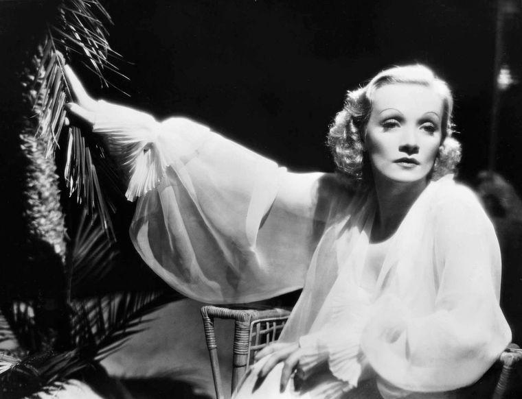 Die Sängerin und Schauspielerin Marlene Dietrich starb am 6. Mai 1992 in Paris.