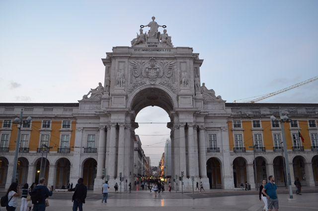 Arco da Rua Augusta, der Triumpfbogen im Zentrum Lissabons.