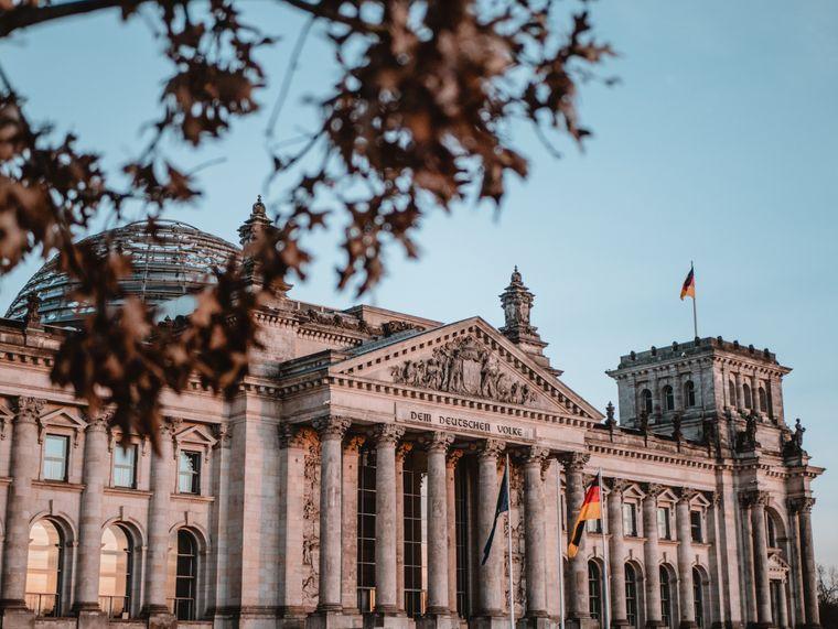 Das Zentrum der politischen Macht: Im Reichstagsgebäude tagt der Bundestag.