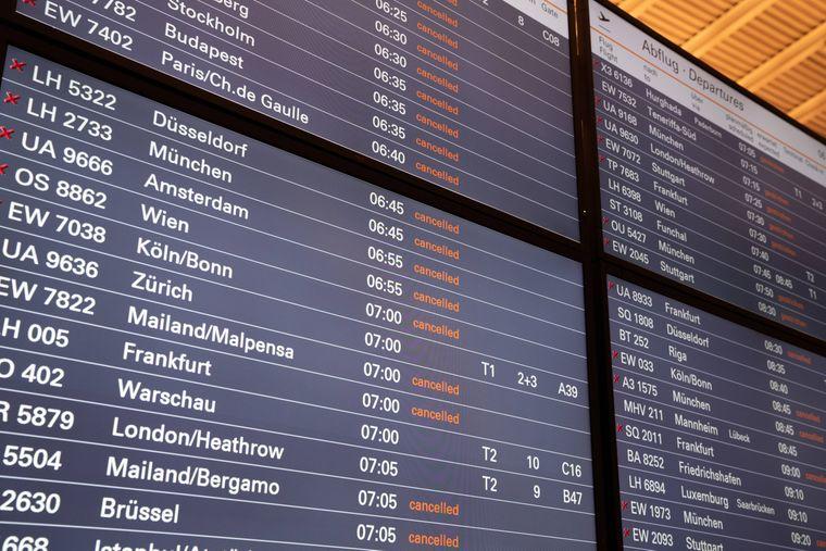 Gecancelt, gecancelt, gecancelt: Der Streik des Sicherheitspersonals führt zu rund 1.000 Flugausfällen in Deutschland.