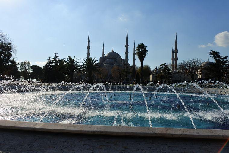 Blick auf die Blaue Moschee in Istanbul.