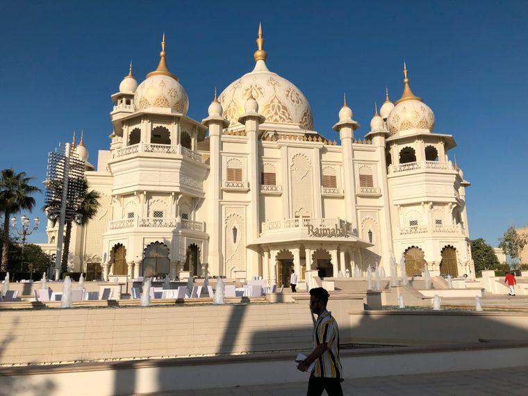Auch Dubai hat einen Taj Mahal. Das Rajmahal Theatre in den Dubai Parks and Resorts ist eine Nachbildung des berühmten indischen Gebäudes.