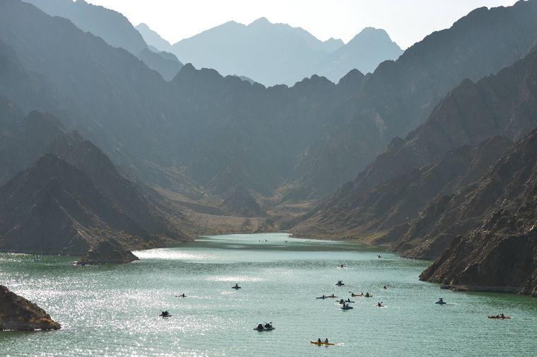 Das Hatta-Gebirge mit dem Hatta Damm bietet eine Alternative zum Großstadtdschungel.