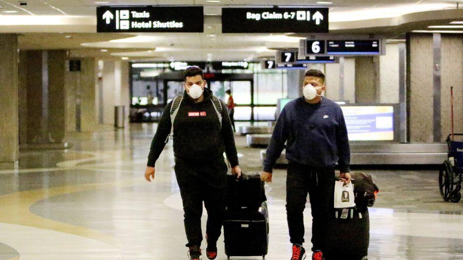 Viele Reisende haben ihren Urlaub wegen des Coronavirus storniert. (Symbolbild)