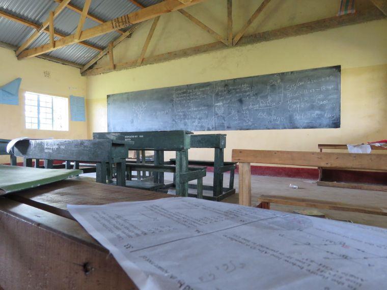 Ein Klassenraum in der Saparingo-Grundschule – insgesamt besuchen sie rund 200 Schülerinnen und Schüler.