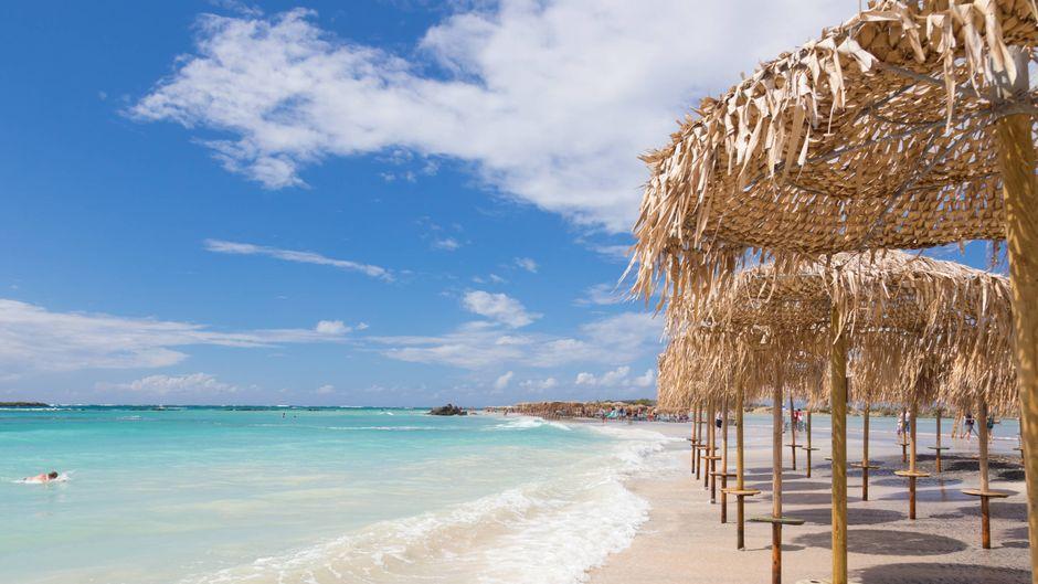 Sommer, Strand und Sonnenschein – die griechischen Inseln sind ein echtes Urlaubsparadies.