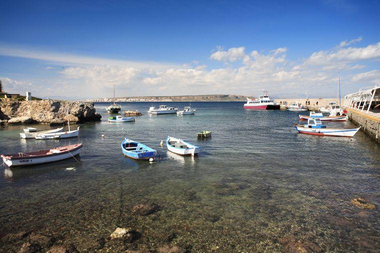 Der malerische Hafen von Tabarca.