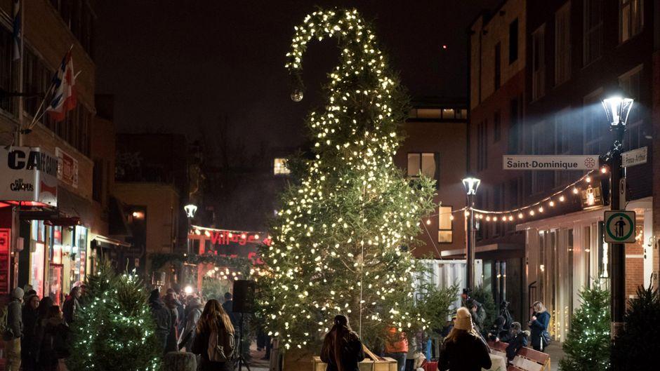 Der hässliche Weihnachtsbaum von Montreal.