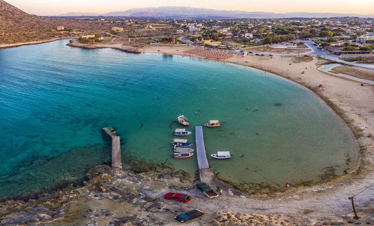 Luftbild des berühmten Strandes Stavros Beach auf Kreta.