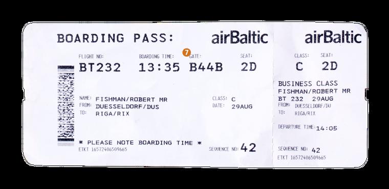 7. Das Gate besteht in der Regel aus einem Buchstaben und einer Zahl. Hier wartest du am Flughafen auf das Boarding.
