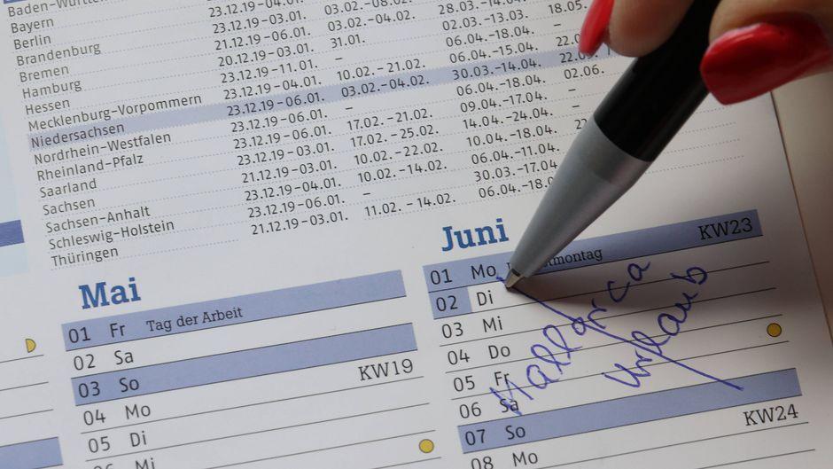 Auslandsreisen bis Mitte Juni fallen flach: Das Auswärtige Amt hat seine Reisewarnung verlängert.