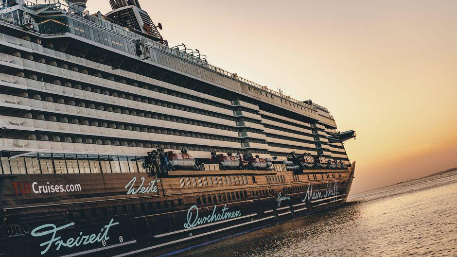 Unter den namhaften Reedereien, die nach der Corona-Pause einen Neustart wagen, ist zum Beispiel Tui Cruises. (Symbolbild)