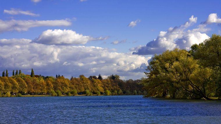 Und auch an Hannovers zentralem Maschsee stehen alle Zeichen auf Herbst.