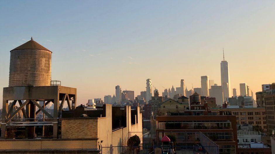 Aussicht auf Manhattan von der Terrasse des Whitney Museum in Chelsea.