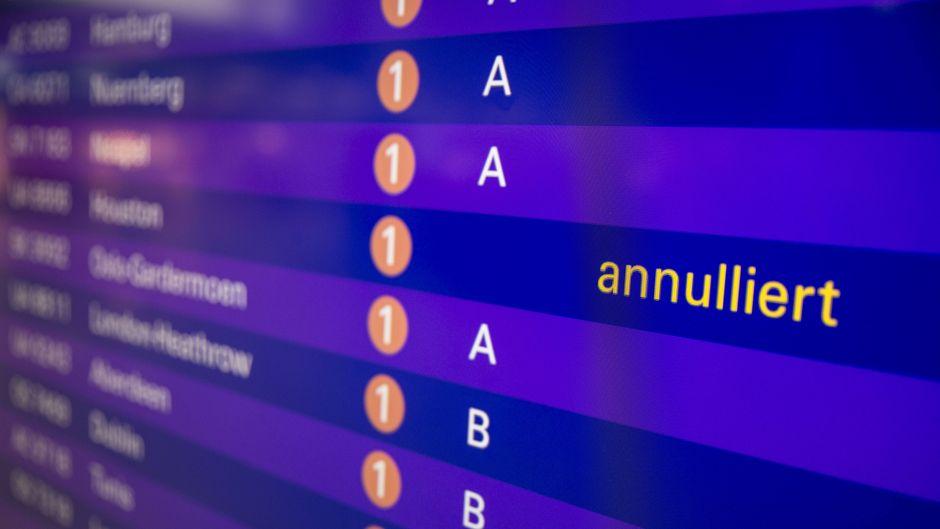 Flug gestrichen? Wir sagen dir, was du als betroffener Passagier beim Pilotenstreik machen kannst.