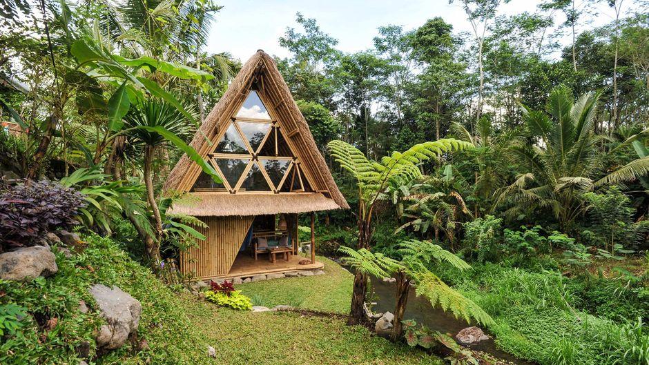 """Bambushütten stehen bei """"Airbnb""""-Usern hoch im Kurs: Im Ranking findest du gleich vier Unterkünfte aus dem natürlichen Rohstoff."""