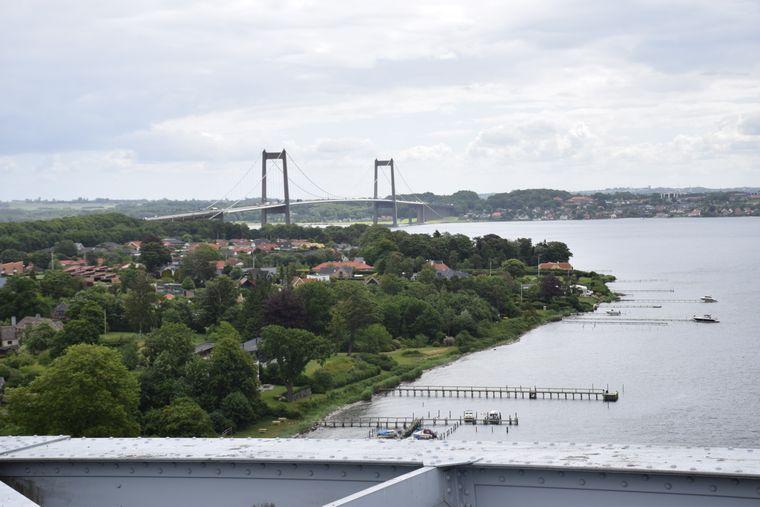 Die deutlich jüngere Aurobahnbrücke gehört zu den Höhepunkte im Rundumblick.