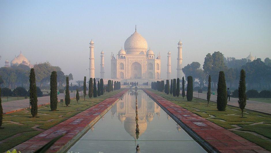 Der Taj Mahal im Sonnenaufgang