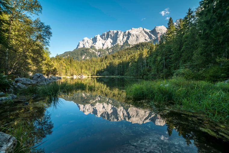 Der Frillensee ist ein Naturspektakel in Bayern, das trotz seiner Schönheit noch verhältnismäßig unentdeckt ist.