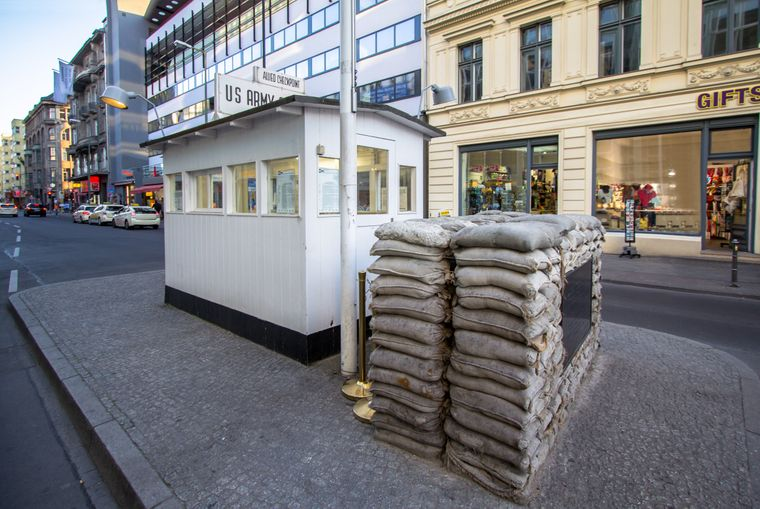 """""""Checkpoint Charlie"""": Das Original steht nicht am Original-Schauplatz."""