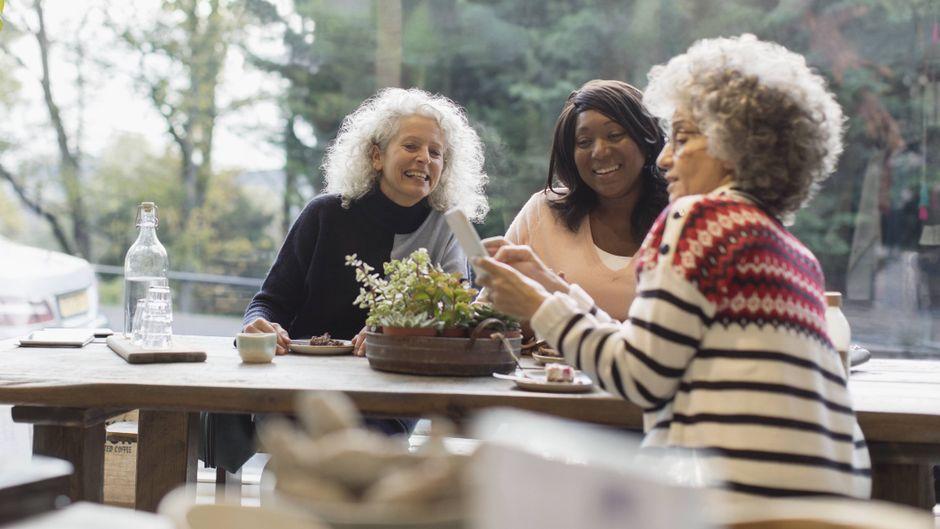 Eine Airbnb-Auswertung zeigt: Senioren sind die besten Gastgeber.