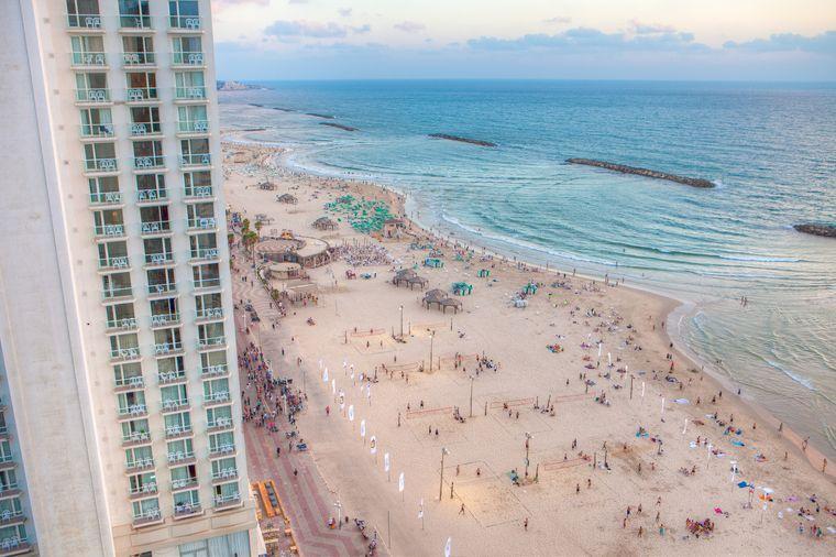 Für viele Israel-Reisende sind die Strände der Metropole auch ein Grund nach Tel Aviv zu kommen.