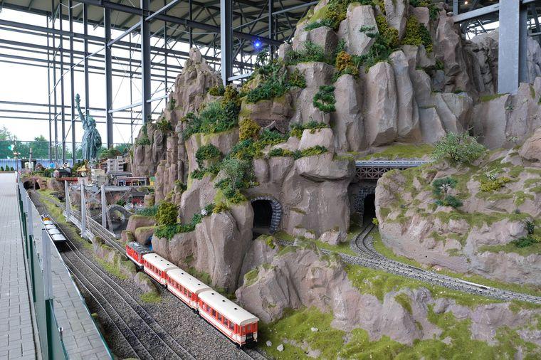 Im Snow Dome in Bispingen findest du interessante Modellbau-Welten.