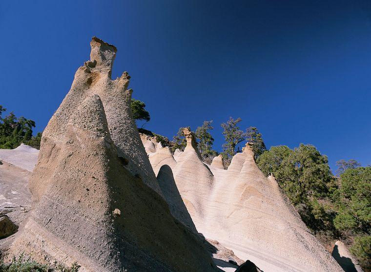 Machst du dich auf den Weg auf den Teide, kommst du an Vilaflor vorbei, einem entzückenden Dorf umgeben von Bergen.