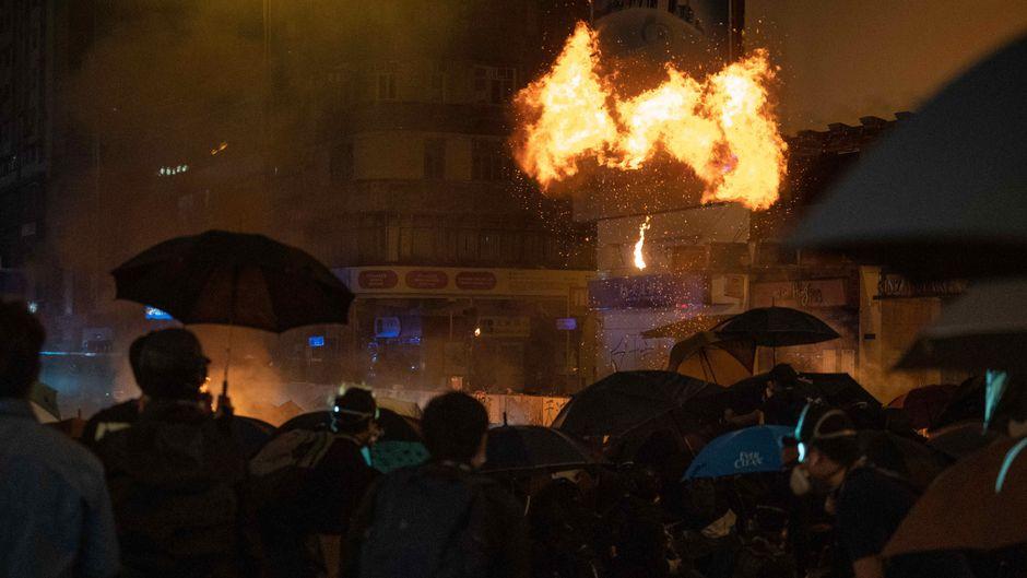 Demonstrationen und Ausschreitungen wie in Hongkong häuften sich im Jahr 2019. (Symbolfoto)