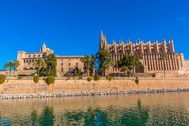 Die Kirche La Seu ist ein Wahrzeichen von Mallorca.