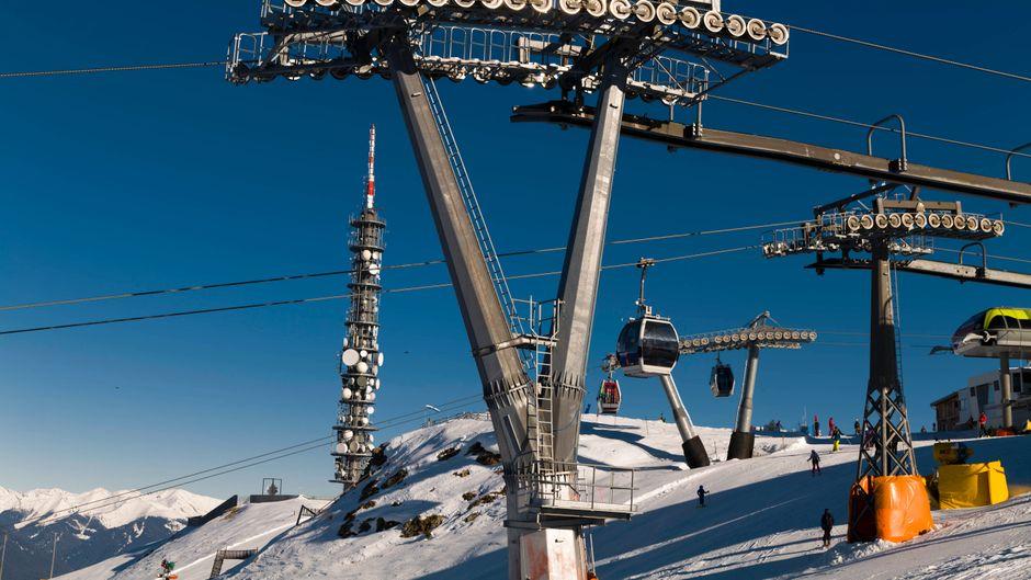 Seilbahnen auf dem Kronplatz in Südtirol – etliche Lifte und Hotels sollen vorzeitig schließen.