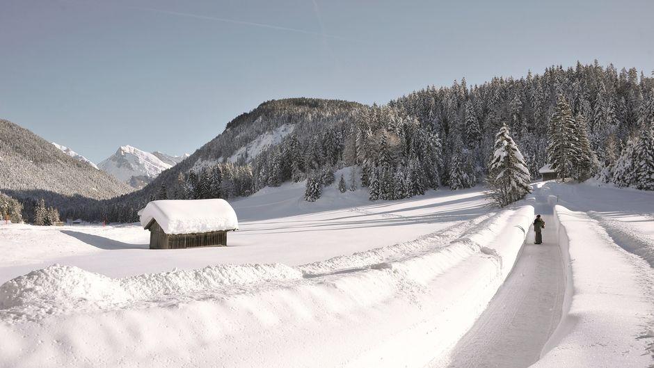 Das Seefelder Plateau in Tirol wird bei Winterwanderern immer beliebter. Hier gibt es auch den ersten Winter-Weitwanderweg der Region.