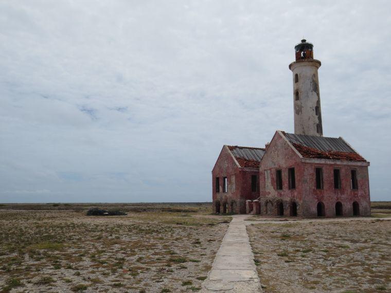 Auf Klein Curaçao steht ein ehemaliger Leuchtturm.