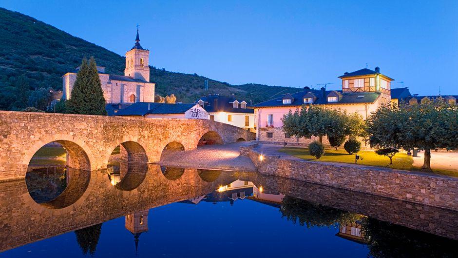 Molinaseca ist ein kleiner Ort am Jakobsweg in Léon.
