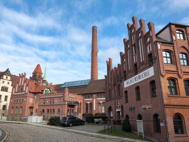 Die Wilhelmsmühle und das Elektrizitätswerk.